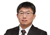 株式会社丸の内アドバイザーズ 代表取締役/公認会計士 岩松 琢也